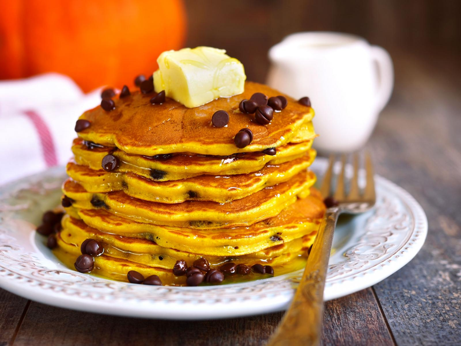 Eggnog Orange-Chocolate Chip Pancakes